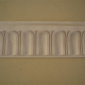 Cornice in stucco decorata a biscotti (Rif. 305). Categoria cornici